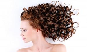 L'huile d'amande douce pour une peau saine et de beaux cheveux